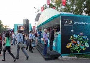В первый день Евро-2012 фан-зоны в Донецке и Харькове посетили 14 тысяч болельщиков