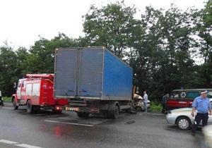 У Донецькій області зіткнулися вантажівка і Жигулі, є жертви