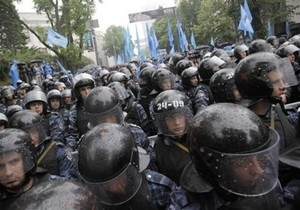 Опозиціонери прорвалися у фан-зону Євро-2012 на Майдані, сталася бійка з Беркутом