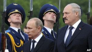 ВВС Україна: Путін у Мінську. Медовий місяць з Лукашенком