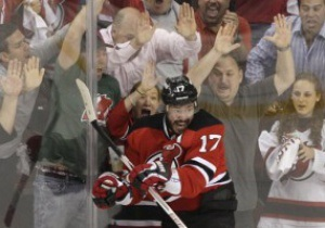 NHL: New Jersey Devils Алексея Поникаровского вышли в финал Stanley Cup