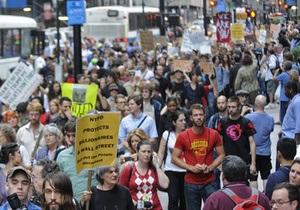 DW: Більше двадцяти тисяч людей вийшли на протести у Франкфурті
