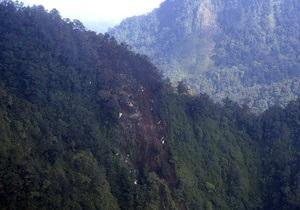 Катастрофа SSJ-100: рятувальники завершили операцію. Експерти зчитують дані з самописця