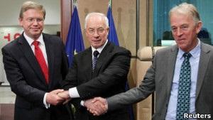 Фюле: ЄС не піде на компроміс з Україною щодо демократичних цінностей