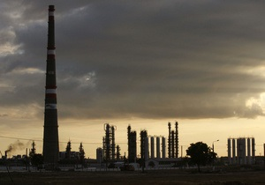 С начала года Россия вдвое сократила поставки нефти на украинские НПЗ
