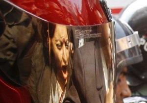 У ході сутичок в Бангладеш постраждали понад 100 людей