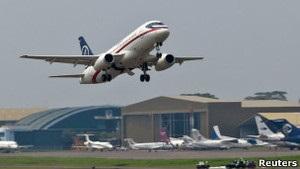 Російський Sukhoi Superjet-100 розбився в Індонезії: на борту було 45 людей