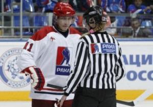 Фотогалерея: Скользкий путь. Путин сыграл в хоккей сразу после инаугурации