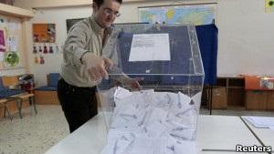 Правляча коаліція Греції втратила підтримку більшості населення