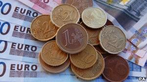Євро падає на тлі результатів виборів у Франції та Греції
