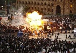 У Вірменії з ясовують обставини вибуху на передвиборному мітингу