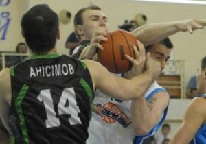 Азовмаш разнес Будивельник, Донецк побил Ферро