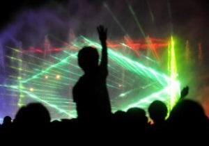 Фотогалерея: Светомузыка. В Польше состоялось красочное шоу фонтанов к Евро-2012