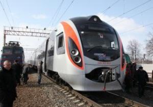 Последняя перед Евро-2012 партия поездов Hyundai прибыла в Украину