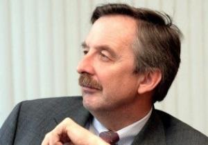 Посол Германии: Надеюсь, у гостей Евро-2012 не возникнет чувство, что на них хотят нажиться