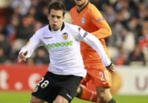 Goal.com: МЮ вступил в борьбу с Барселоной за защитника Валенсии