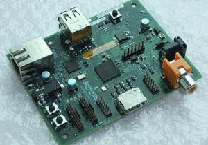 Стартували світові продажі ультрадешевого комп ютера Raspberry Pi