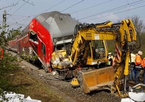 У Німеччині потяг зіткнувся з екскаватором: є жертви