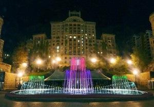 На Хрещатику відкрили світломузичний фонтан