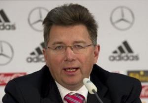 О продаже билетов на матчи Евро-2012, мошенниках и спекулянтах. Директор UEFA  дал обширное интервью РГ