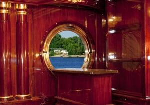 В АП стверджують, що Янукович не має відношення до  палацу на воді  у Межигір ї