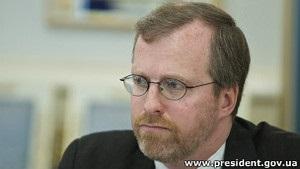 Глава Freedom House не розповів журналістам про зустріч з Януковичем