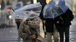 Потужний буревій у Японії: четверо загиблих