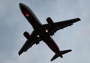 У Петербурзі пасажирський аеробус приземлився на одному двигуні