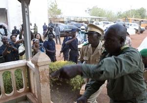 У Малі військова хунта прийняла нову конституцію