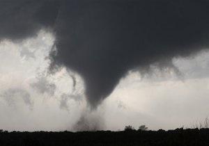 Над Небраскою пройшли п ять торнадо
