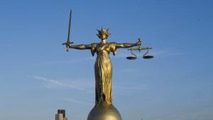 Бі-бі-сі: Протести перекладачів блокують роботу судів в Англії