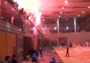 Польские фанаты сорвали матч восьмилетних детей
