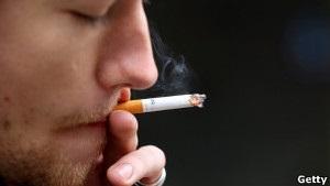 Янукович підписав   історичну   заборону реклами сигарет