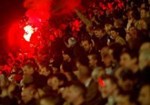 Из Великобритании во время Евро-2012 не выпустят почти 2,5 тысячи хулиганов