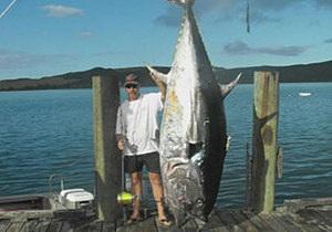 Новозеландець зловив на вудку тунця вагою 335 кілограмів