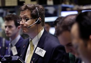 Фондові ринки України у вівторок перебували під тиском продавців