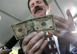 Відомство Арбузова хоче, щоб валютні заощадження населення працювали на економіку