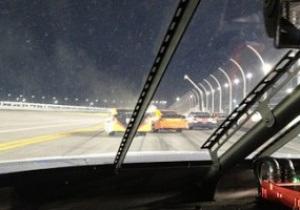 Автогонщик прямо в ходе гонки выложил в Twitter фото аварии