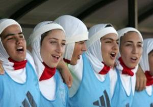 ООН звернулася до FIFA із закликом дозволити мусульманкам грати в футбол у хіджабі