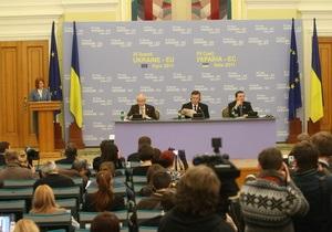 Іноземні журналісти нарікають на ускладнення отримання українських віз