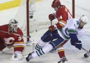 NHL: Монреаль уничтожил Торонто, Калгари смог обыграть Ванкувер только по буллитам