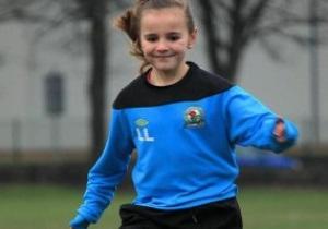 Клуб Премьер-лиги подписал восьмилетнюю девочку