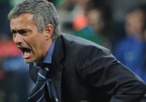 Моуриньо подкараулил судью матча против Барселоны и обложил его нецензурной бранью