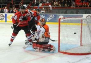 Хоккей: Тагил больше не рулит. Донбасс на выезде обыграл Спутник