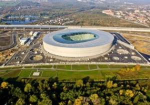 На стадионе к Евро-2012 во Вроцлаве перестелят газон
