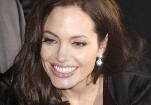 Джолі зніметься в новому фільмі Люка Бессона