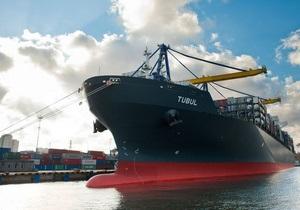 Украинский порт впервые принял контейнеровоз-восьмитысячник