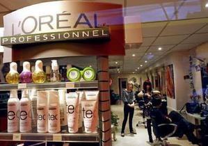 Продажи крупнейшего производителя косметики L Oreal выросли до 4,94 млрд евро