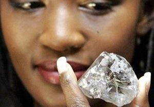 Компания из ЮАР продала алмаз размером больше мяча для гольфа за $16,5 млн