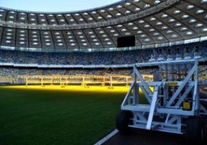 Фотогалерея: Свет жизни. Работа светотепловых установок на газоне НСК Олимпийский